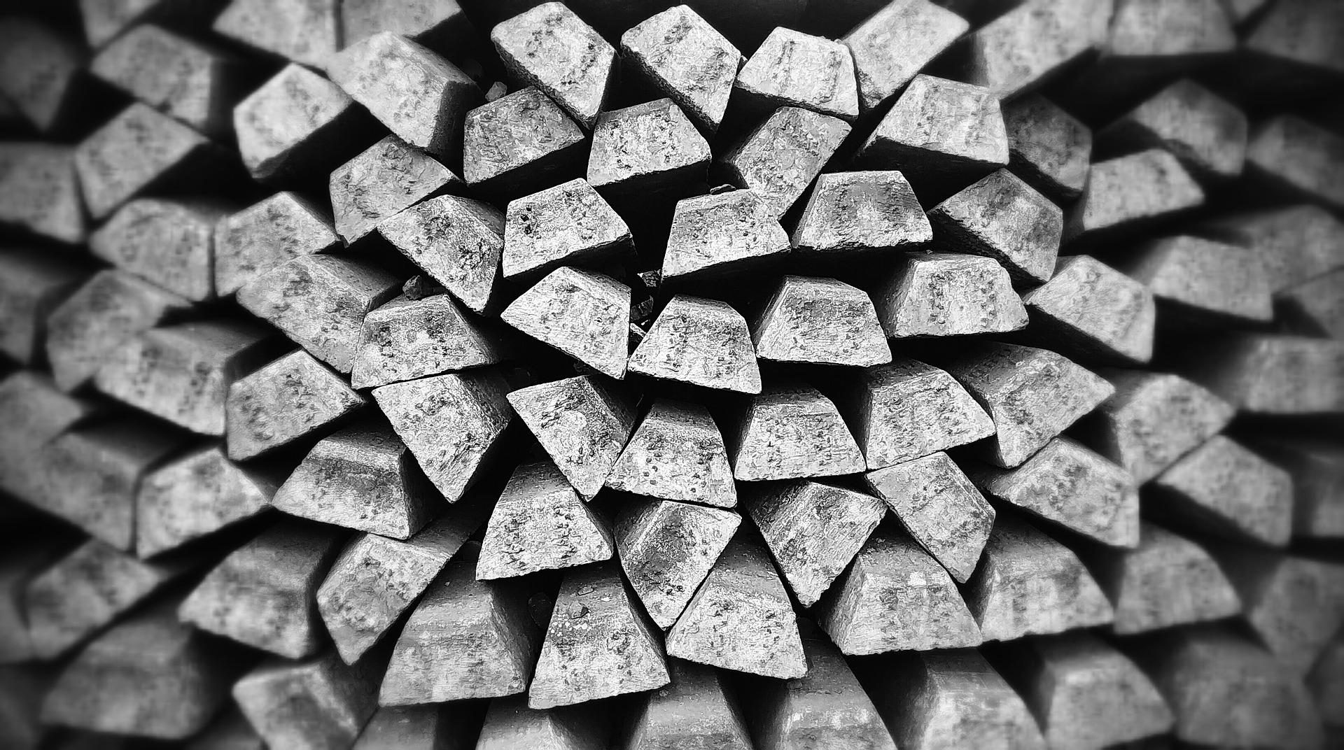 Stříbro - vlastnosti, historie a jeho velký význam v současné době.